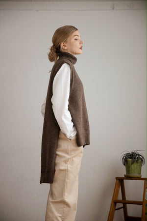 2 way high neck vest (brown)