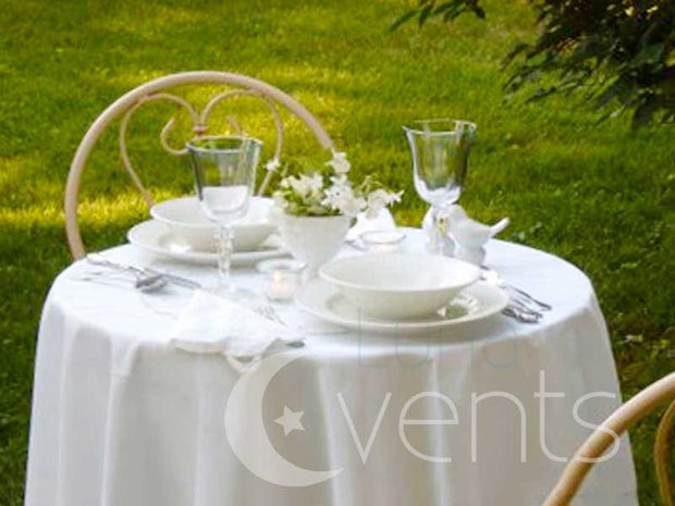 White Round Tablecloth (220cm) in setting