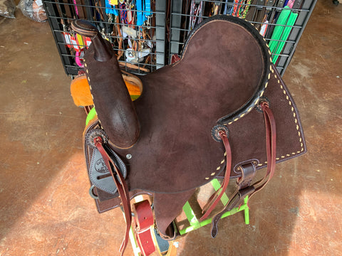 Paul Taylor Chocolate Pencil Roll Buckstitched Barrel Saddle