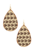 Load image into Gallery viewer, Arrow etched teardrop earring
