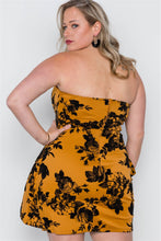 Load image into Gallery viewer, Plus Size Strapless Floral Sweetheart Mini Dress