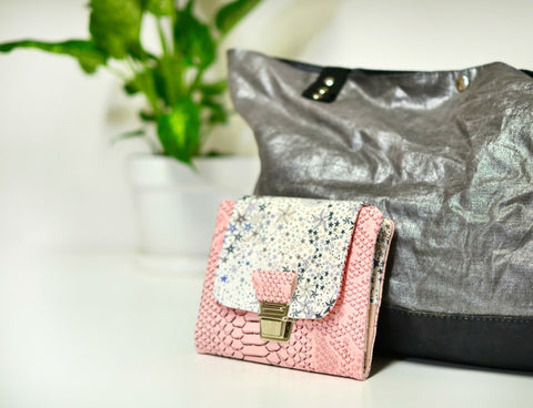 portefeuille compact liberty adelajda gris simili cuir dragon rose shirley chiche