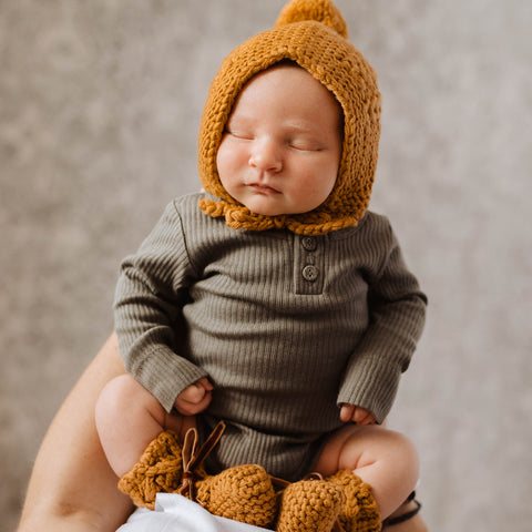 US stockist of Snuggle Hunny Kids grey merino wool bonnet and bootie set