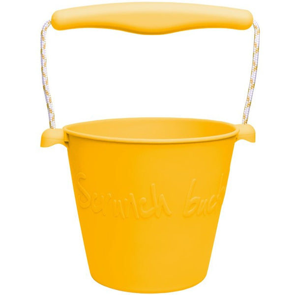 US stockist of Scrunch's mustard bucket.  Made from non-toxic, food grade silicone with a rope handle.