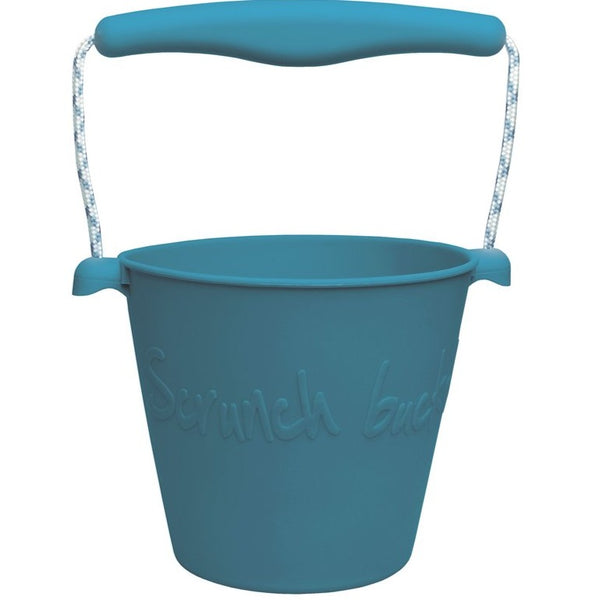 US stockist of Scrunch's blue bucket.  Made from non-toxic, food grade silicone with a rope handle.