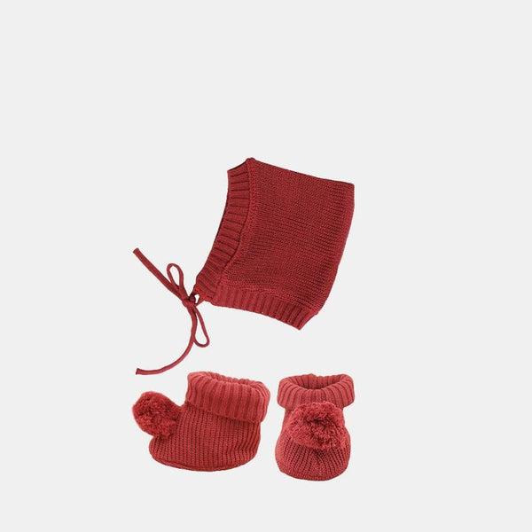 US stockist of Olli Ella's Dinkum Doll Knit Berry Set.  Features cotton knit bonnet and hard sole knit booties with pom poms on front.