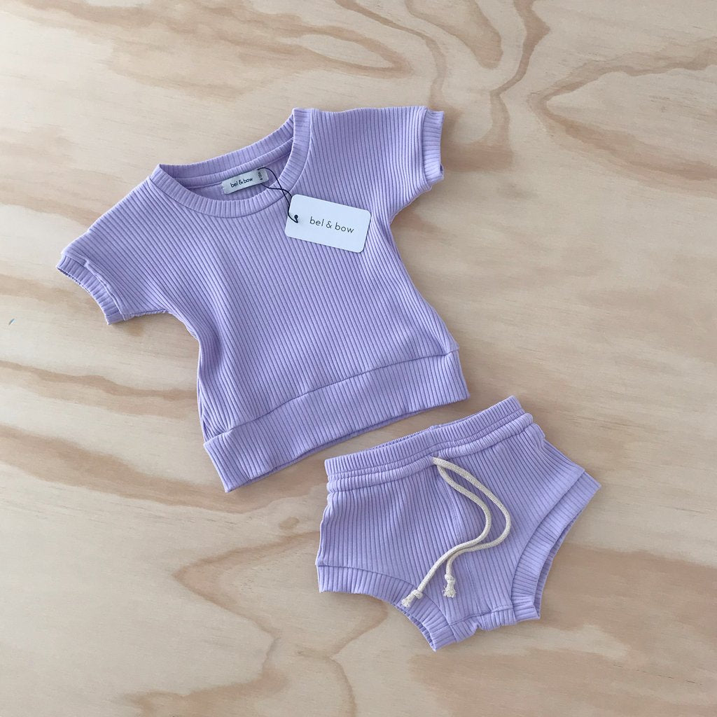 US stockist of Bel & Bow's lilac ribbed cotton short sleeve dolman top, with matching jogger shorts with elasticized waist with functional drawstring.