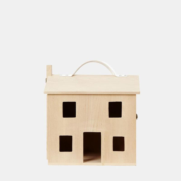 US stockist of Olli Ella's Holdie House.  Made from natural pinewood and with a vegan leather handle.