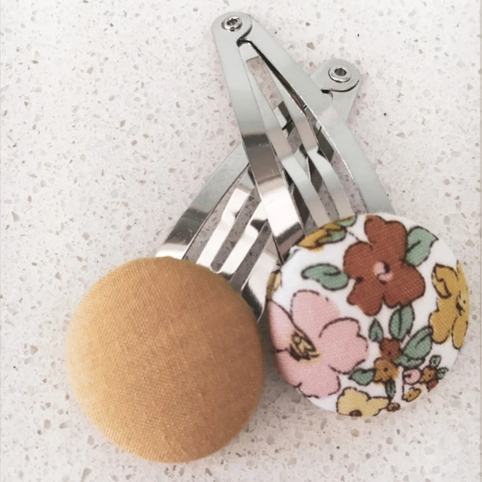 US stockist of Mae and Rae Goldie Button Bow Hair Clip Set