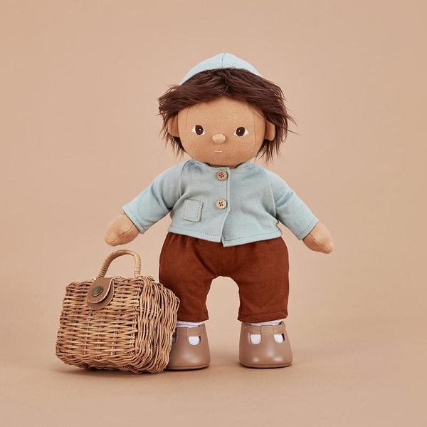US stockist of Olli Ella's gender neutral Dinkum Doll Play Set. Features light blue hooded jacket with wooden buttons and seperate rust colored pants.