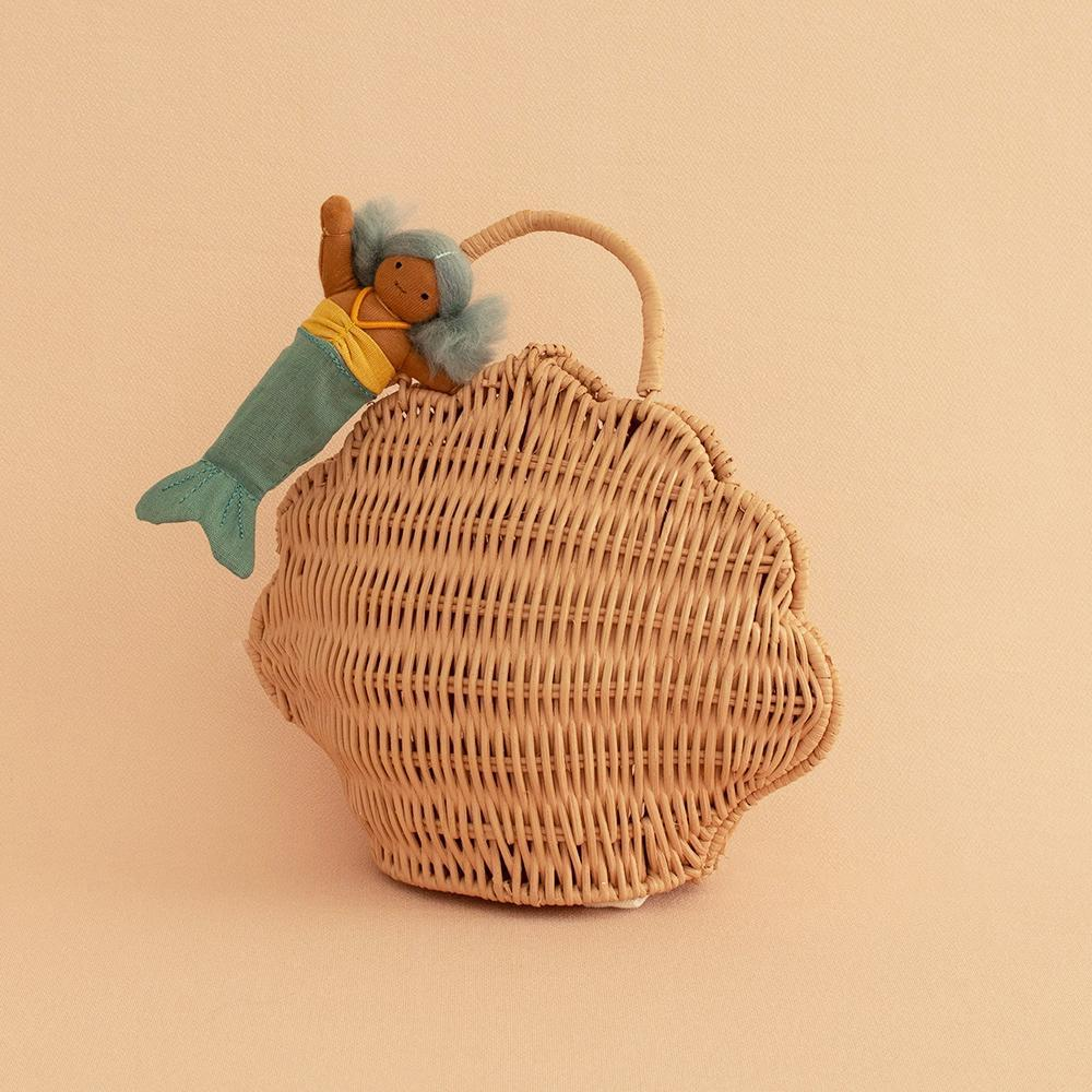 US stockist of Olli Ella's handwoven shell bag in rose. Made from rattan.