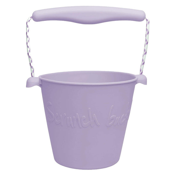 US stockist of Scrunch's light purple bucket.  Made from non-toxic, food grade silicone with a rope handle.