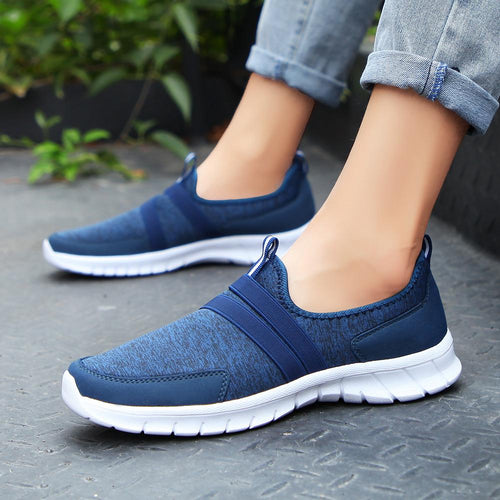 Oversize breathable outdoor sports walking shoes
