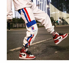 Load image into Gallery viewer, Couple loose retro hip hop casual sweatpants - gucchol