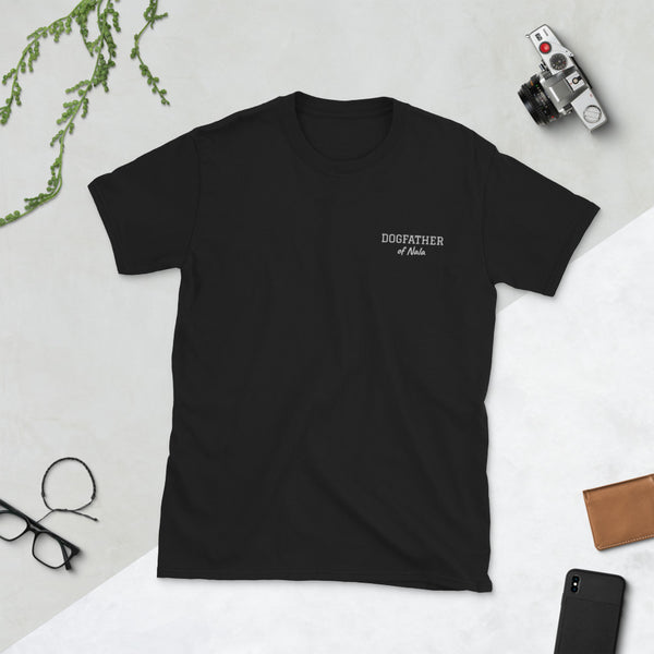 """Dogfather of"" + Hundename: Personalisierbares T-Shirt mit Stickerei - wauwau-wow.com"