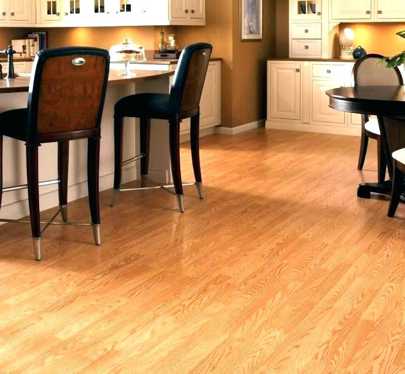 L-E756 Laminate GOLDEN OAK 6.5'' Wide x12mm Thick (17.26 Sq.ft/Carton)