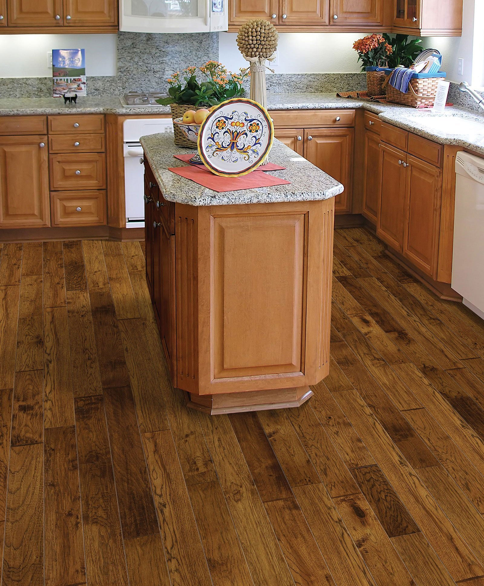 "HH95165CHA Hickory Charlotte 5""wide x3/8""Thick Engineered Hardwood (32.81SqFt/Carton)"