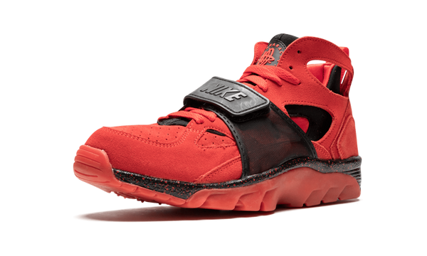 "Air Trainer Huarache Premium  ""Love/Hate"""