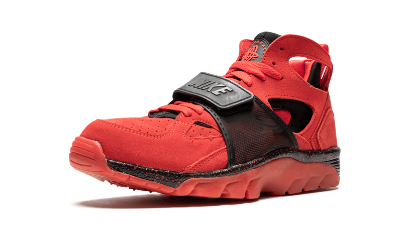 AIR TRAINER HUARACHE PREMIUM 'LOVE/HATE'