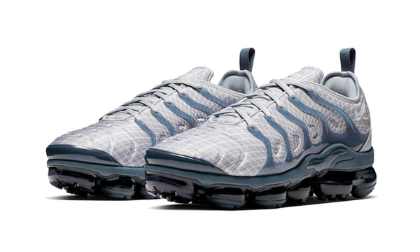 "Air Vapormax Plus  ""Wolf Grey"""
