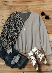 Leopard Splicing Long Sleeve V-Neck Knitted Sweater - Gray