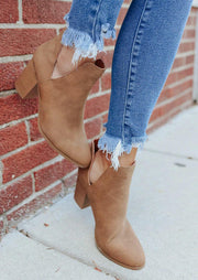 Side Slit Chunky Heel Pointed Toe Ankle Boots - Light Brown