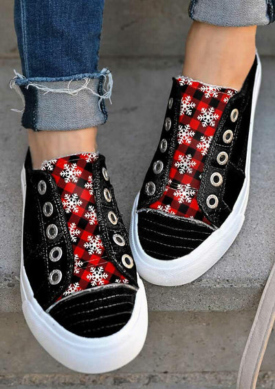 Christmas Buffalo Plaid Snowflake Slip On Canvas Sneakers - Black