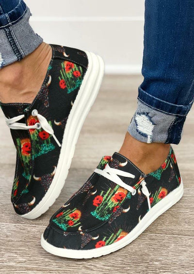 Steer Skull Cactus Lace Up Round Toe Flat Sneakers