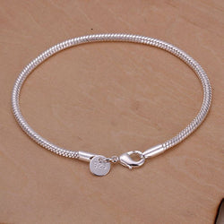 DELICATE AND DAINTY BRACELET