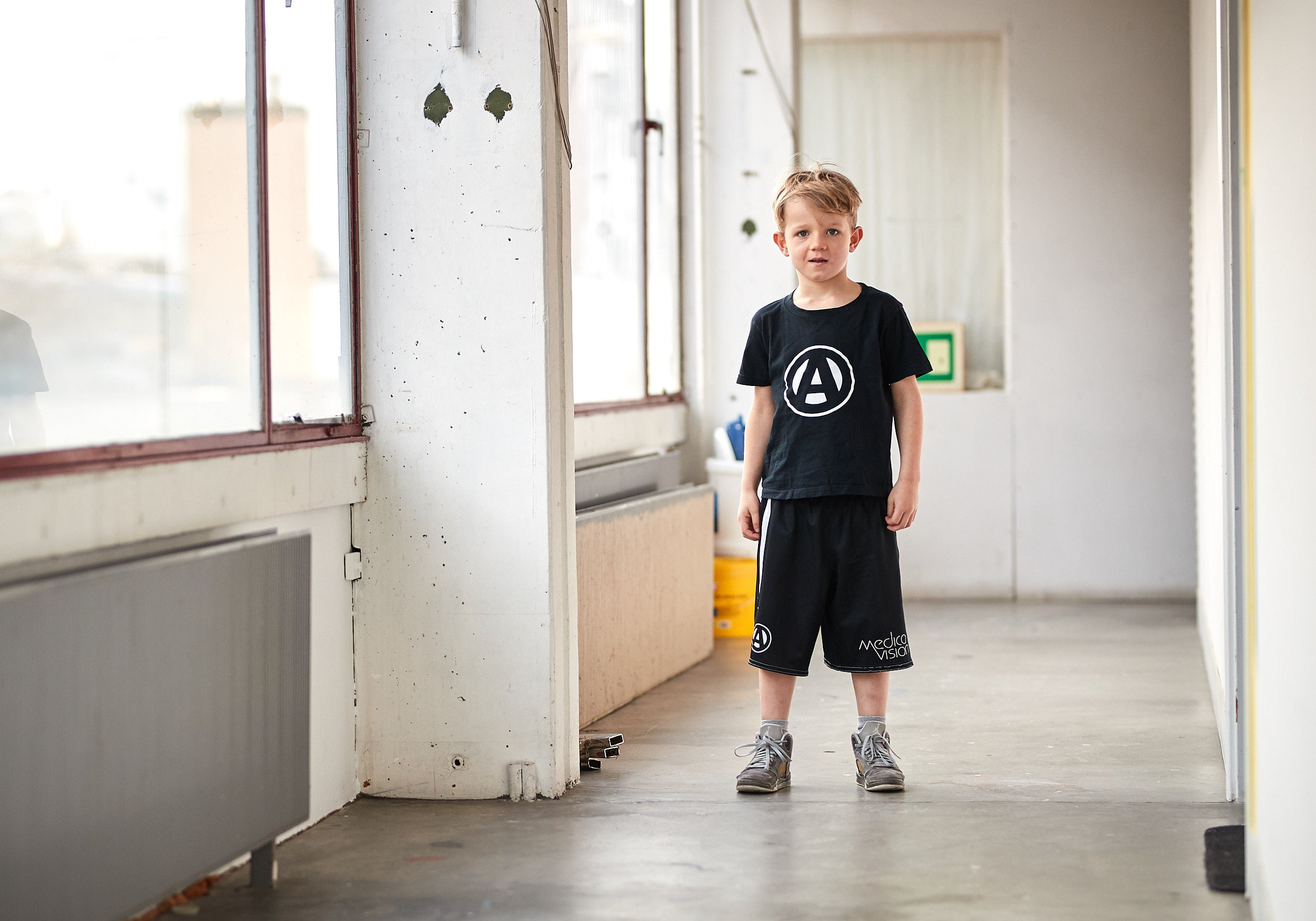 Kids & Youth Apollo Logo Tee