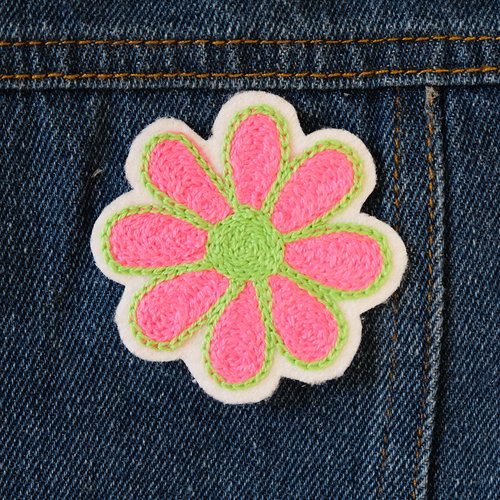 Daisy Chainstitch Embroidered Patch - Abbey Eilermann