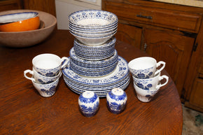 Royal Staffordshire Ironstone China by J & G Meakin