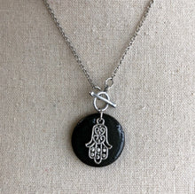 Load image into Gallery viewer, CHARM NECKLACE IN BLACK WITH HAMSA