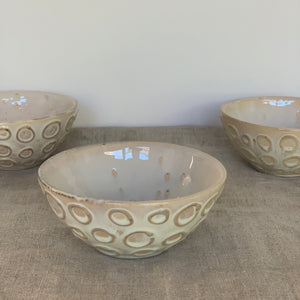 OATMEAL SMALL EVERYDAY BOWLS WITH CIRCLES