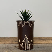 Load image into Gallery viewer, VASE - PLANT POT IN HENNA PATTERN