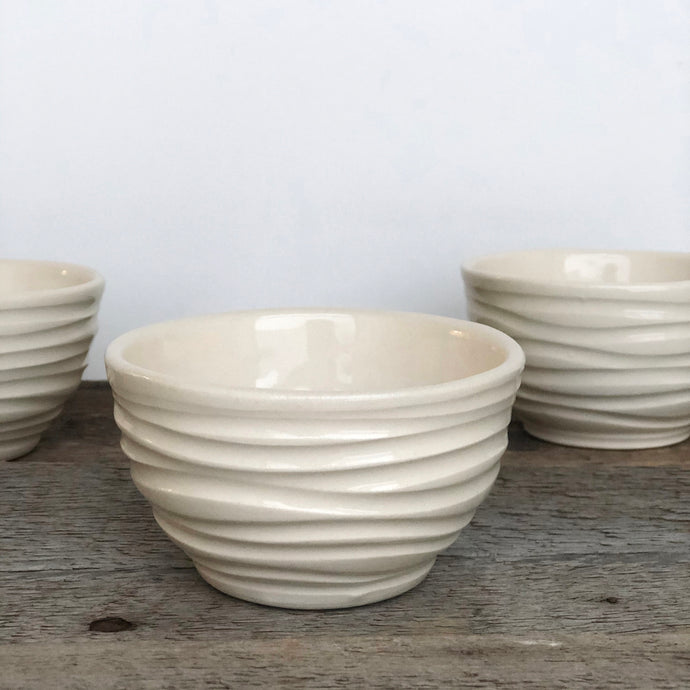IVORY MEDIUM DIP BOWL SET OF 3