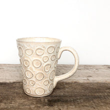 Load image into Gallery viewer, OATMEAL MUG IN CIRCLES - 16 OUNCES