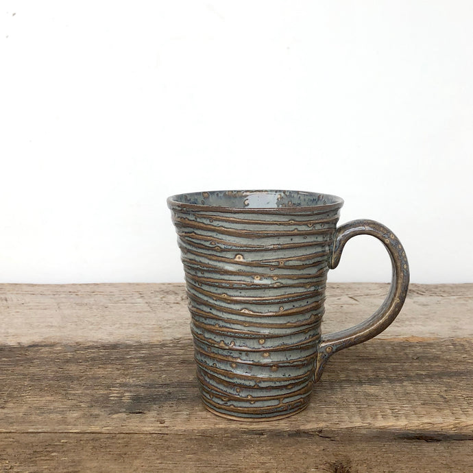 SLATE MUG IN WAVE - 16 OUNCES
