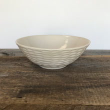 Load image into Gallery viewer, IVORY LINDA SERVING BOWL IN CORAL