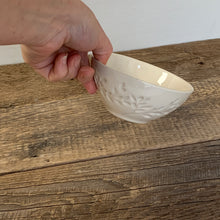 Load image into Gallery viewer, IVORY SMALL EVERYDAY BOWLS WITH BRANCHES
