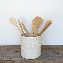 Load image into Gallery viewer, IVORY UTENSIL HOLDER WITH CIRCLES
