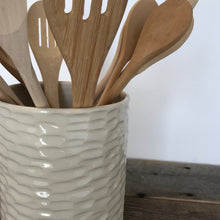 Load image into Gallery viewer, IVORY UTENSIL HOLDER IN CORAL
