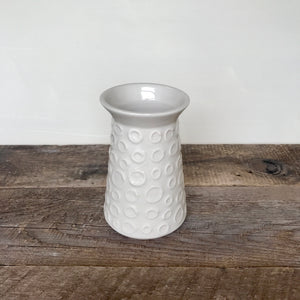 IVORY SHEREEN VASE WITH CIRCLES