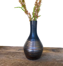 Load image into Gallery viewer, METALLIC BELLY VASE