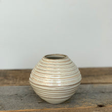 Load image into Gallery viewer, OATMEAL AVIA VASE WITH WAVES