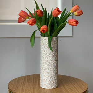 OATMEAL CYLINDER VASE WITH CIRCLES