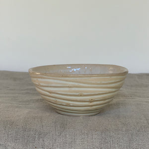 OATMEAL SMALL EVERYDAY BOWLS IN WAVE