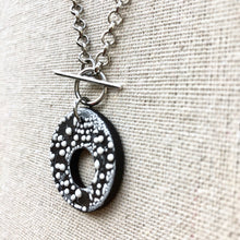 Load image into Gallery viewer, OLIVIA NECKLACE