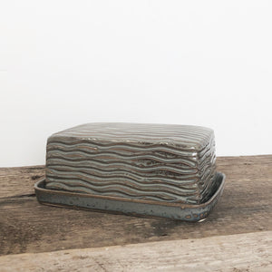 SLATE BUTTER DISH WITH CARVED WAVES