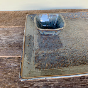 SLATE SMALL SQUARE PLATTER SET IN GINGHAM